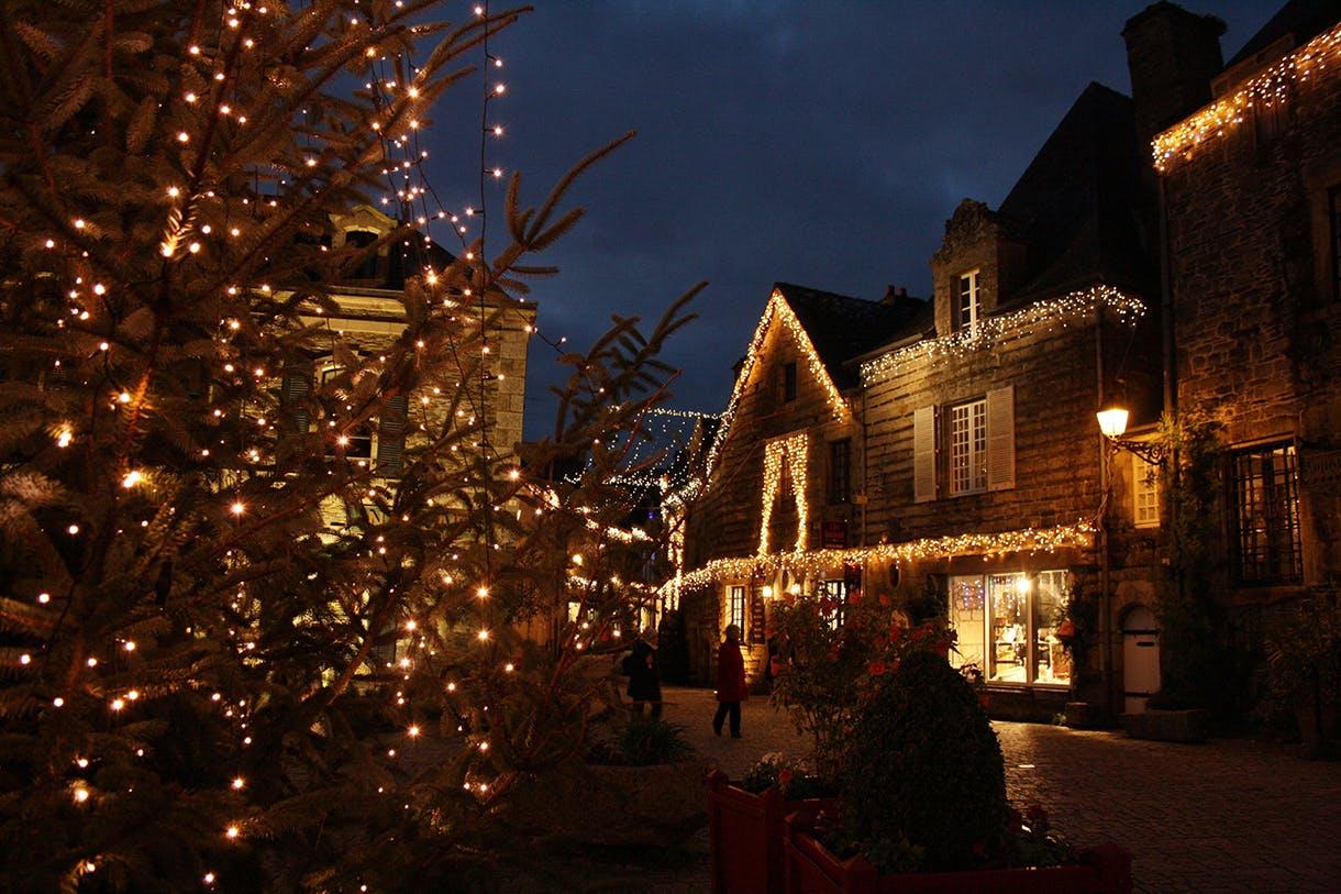 illuminations_rochefort-en-terre_-_decembre_2015_1.jpg