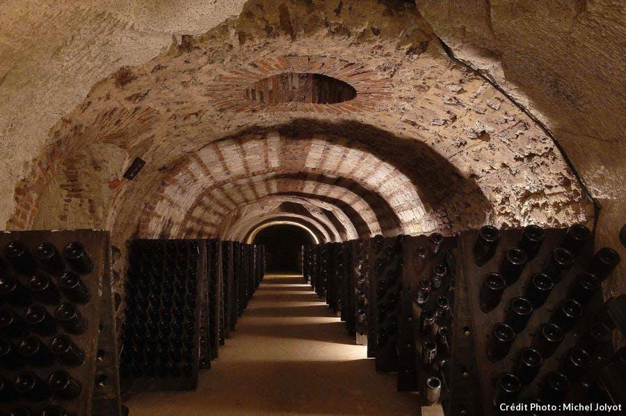 18_epernay-av-de-champagne_-caves