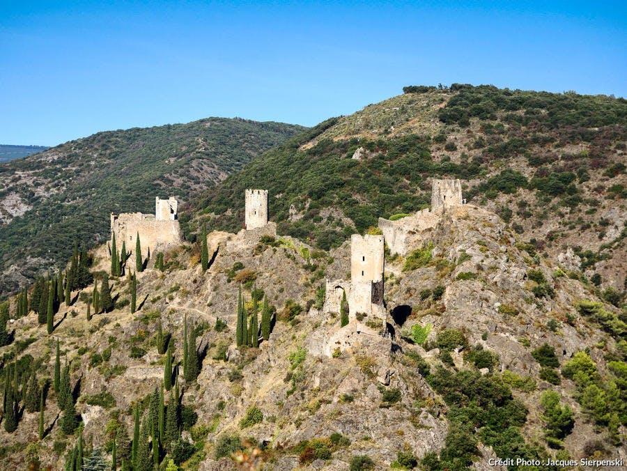 Site Cathare, chateaux de Lastours, Quertinheux, Surdespine, Tour Régine et Cabaret