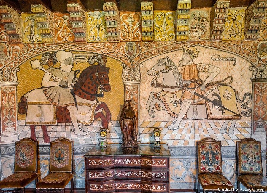 Peintures murales du XVIe siècle dans le château d'Anjony (Cantal)