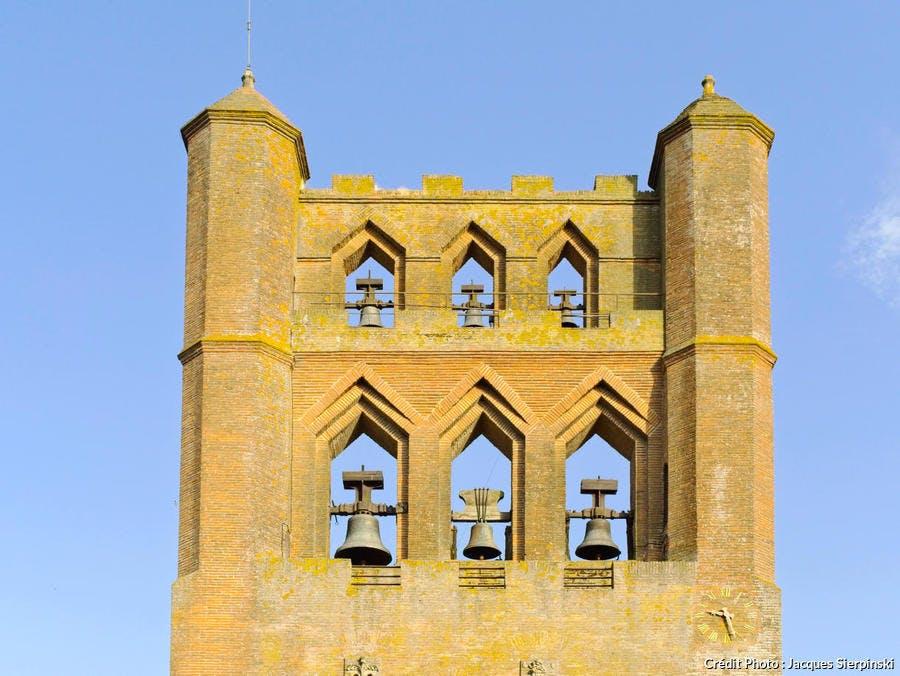 Clocher-mur de l'église Notre-Dame de l'Assomption, à Villefranche-de-Lauragais (Haute-Garonne)