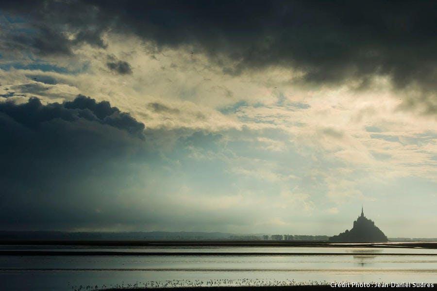 Mont-Saint-Michel au coucher du soleil