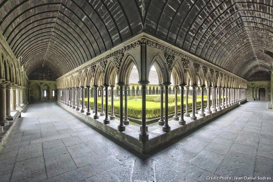 Cloître de l'abbaye du Mont-Saint-Michel