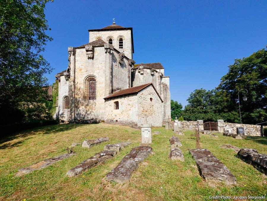 L'église romane fortifiée de Chalard