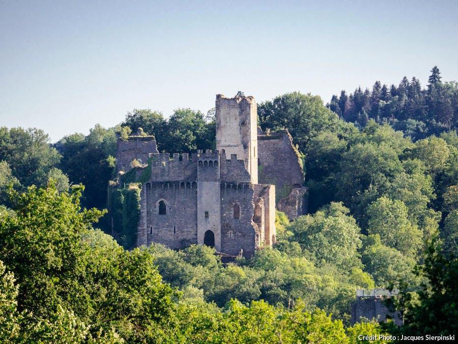 Le château de Châlucet
