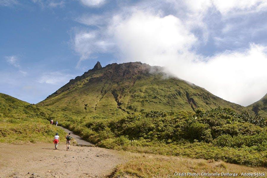 Le volcan de la Soufrière à Basse-Terre, en Guadeloupe