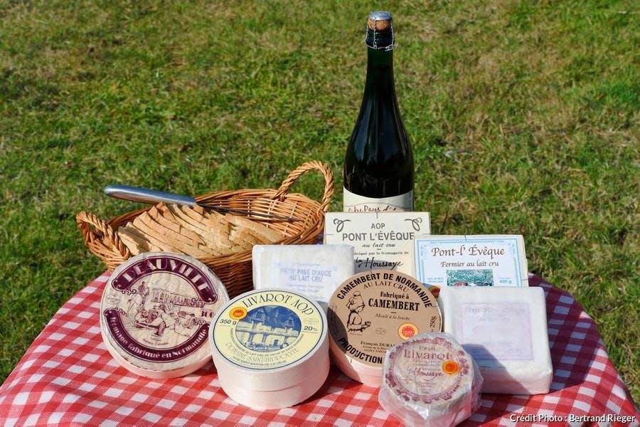 Fromages au lait cru du Pays d'Auge, dont le fameux camembert