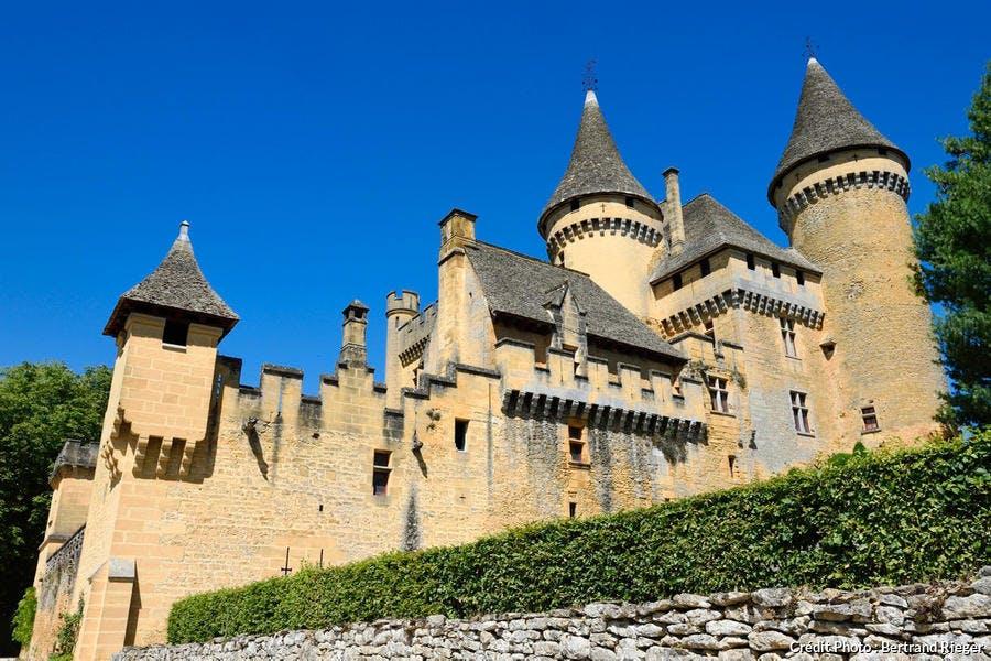 Le château de Puymartin, dans le Périgord