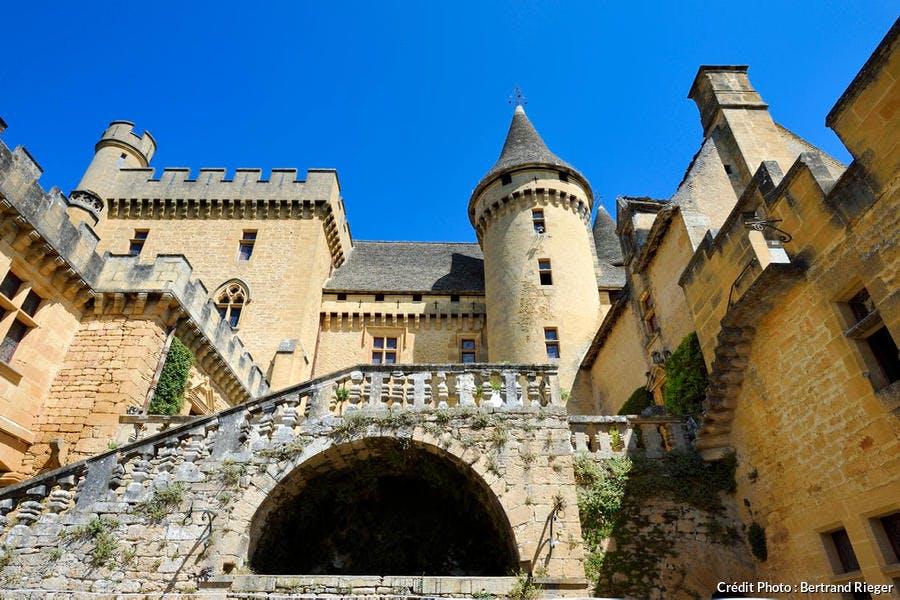 Le château de Puymartin, dans le Périgord noir