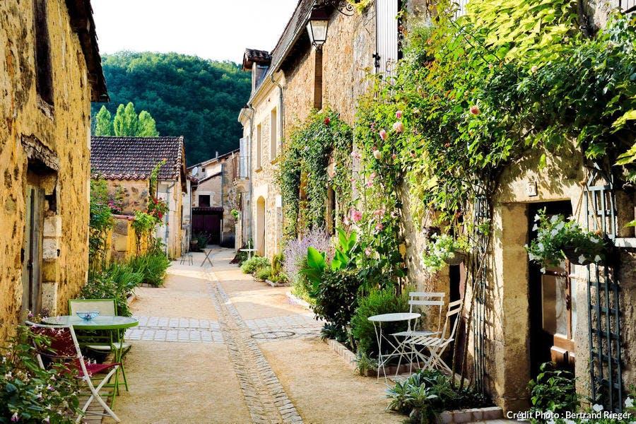 Le village de Saint-Jean-de-Côle, dans le Périgord (Dordogne)
