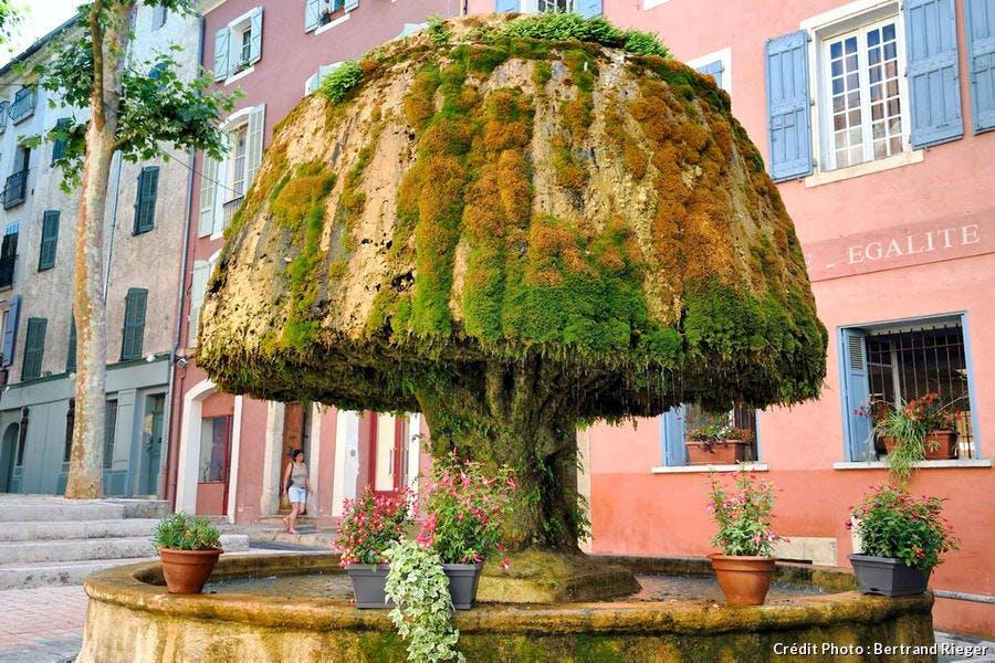 La fontaine champignon à Barjols