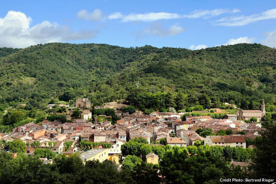 Le village de Colobrières dans le massif des Maures