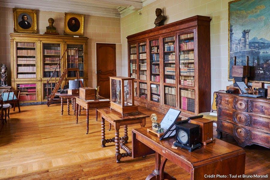 Bibliothèque du château de l'abbaye de la Ferté