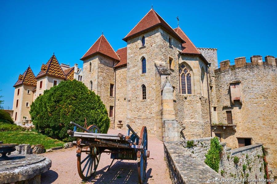 Château de Couches, vue de l'extérieur