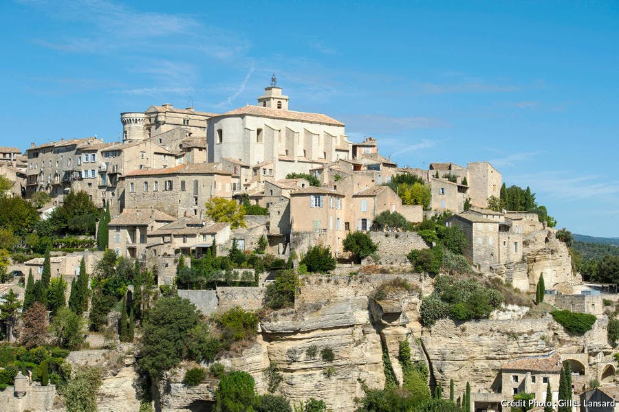 Le village perché de Gordes, dans le Luberon (Vaucluse, PACA)