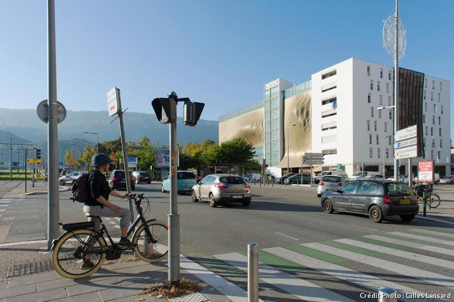 Piste cyclable cours Jean Jaurès, Grenoble