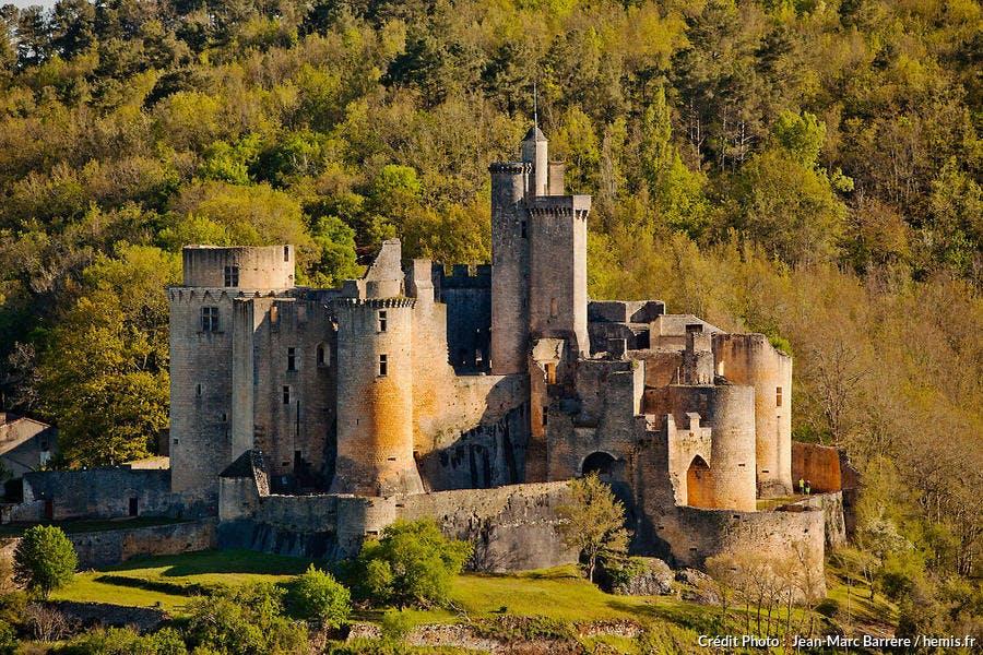 La forteresse médiévale de Bonaguil, en Lot-et-Garonne