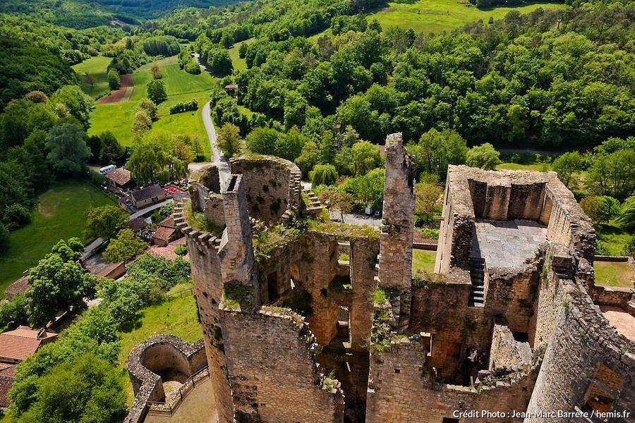 Vue sur la campagne depuis le château de Bonaguil (Lot-et-Garonne)