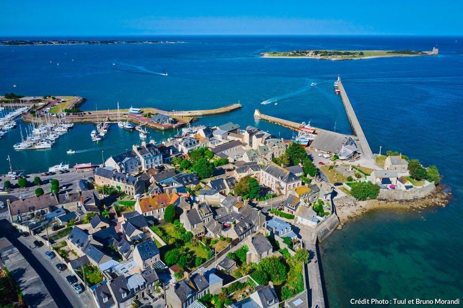 La grande jetée de Saint-Vaast-la-Hougue