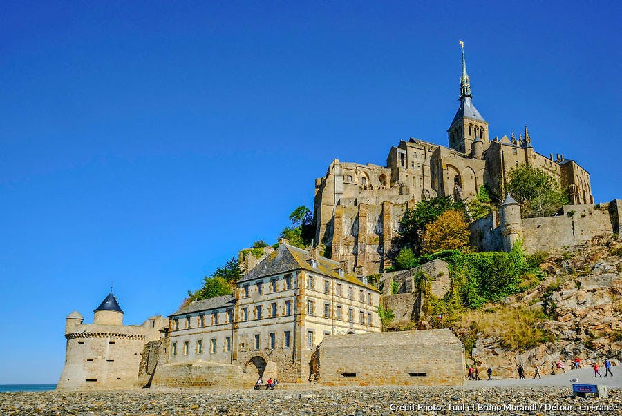 Le Mont-Saint-Michel et sa passerelle