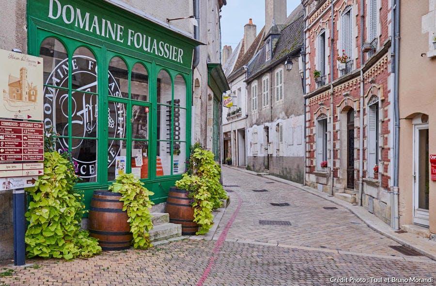 Rue Saint-Jean, village de Sancerre, Berry (Cher)