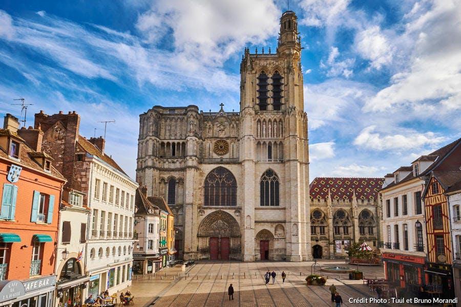 La cathédrale Saint-Etienne à Sens
