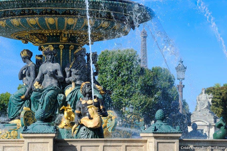 La fontaine des Mers place de la Concorde à Paris