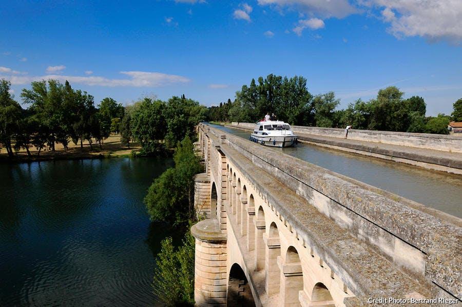 Le pont-canal du canal du Midi