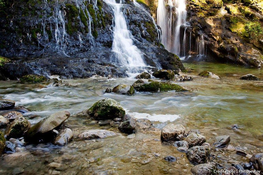La cascade du Pissieu, dans le parc naturel du massif des Bauges (Savoie)