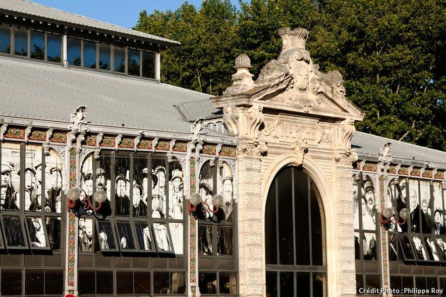 Les halles du marché couvert de Narbonne, en Languedoc-Roussillon
