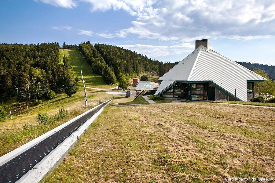 La station de La Croix de Bauzon dans le massif forestier de Tanargue