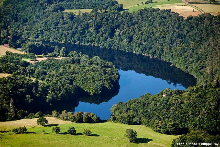 Le lac d'Eguzon, dans la Creuse (Limousin)