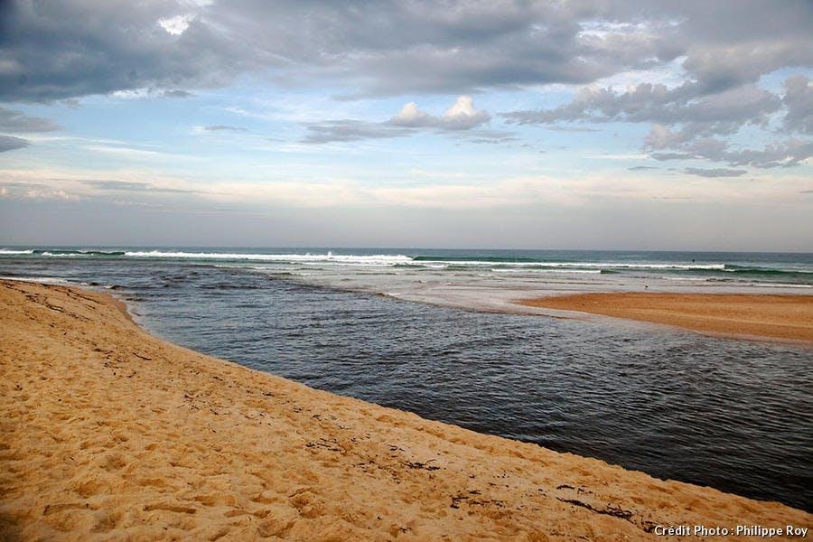 La plage de Moliets et l'embouchure du courant d'Huchet (Aquitaine)