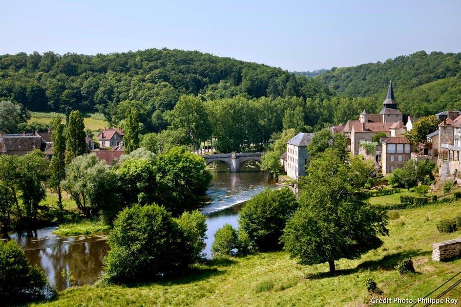 Le village de la Celle-Dunoise dans la vallée de la Creuse