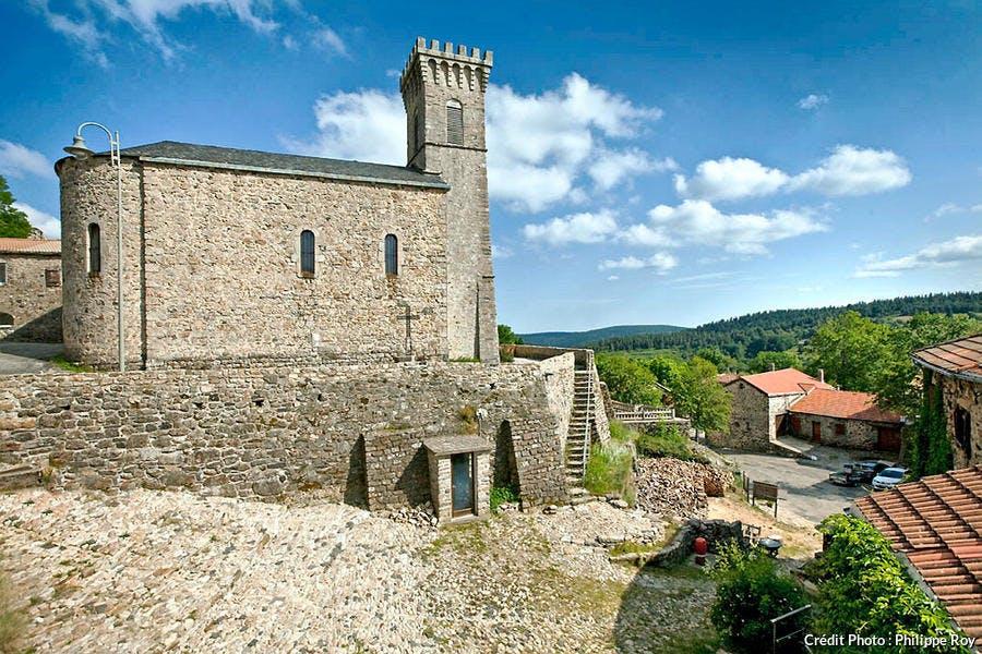 L'église Loubaresse au pied du Tanargue