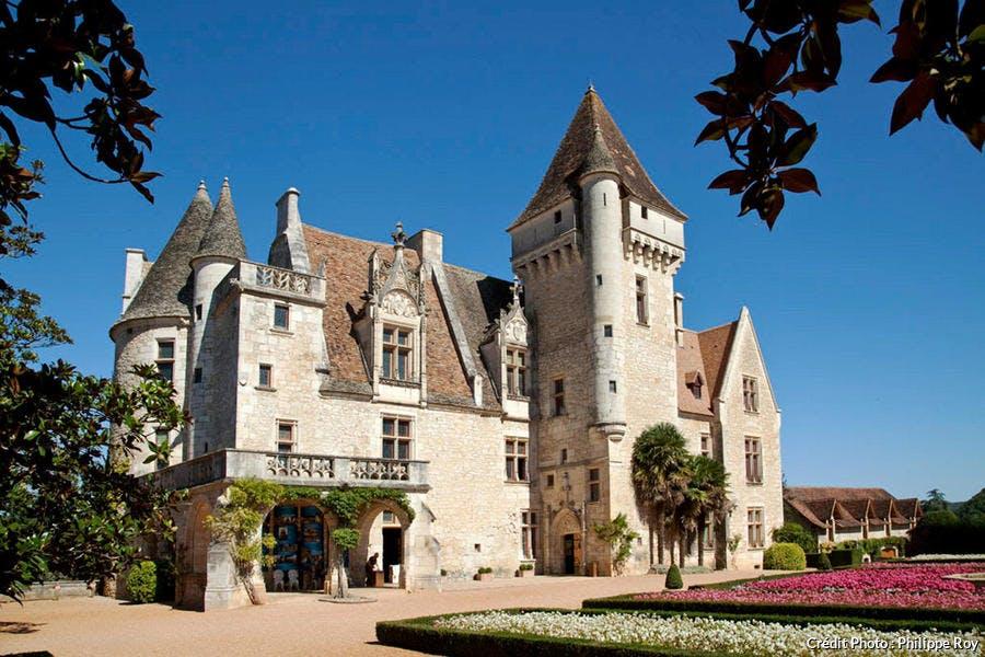 Façade du château des Milandes, dans le Périgord noir