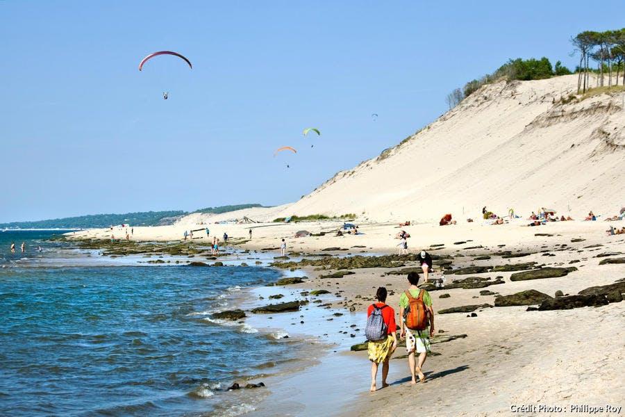 La plage du Petit Nice au pied de la dune du Pilat, bassin d'Arcachon (Gironde)