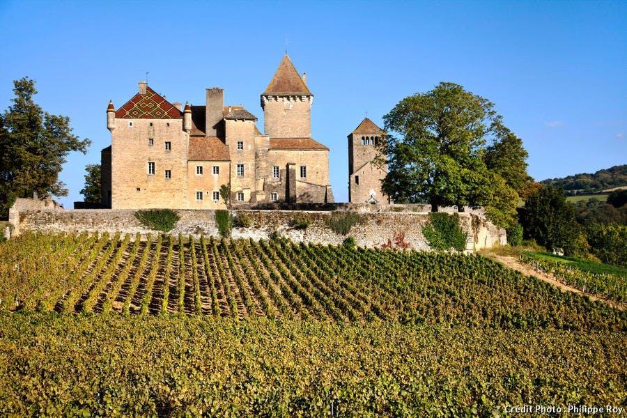 Le château de Pierreclos, en Bourgogne