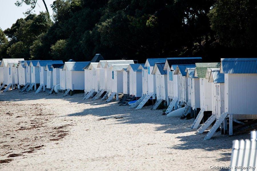Cabines de bain sur la plage des Dames, à Noirmoutier-en-l'Île (Vendée)