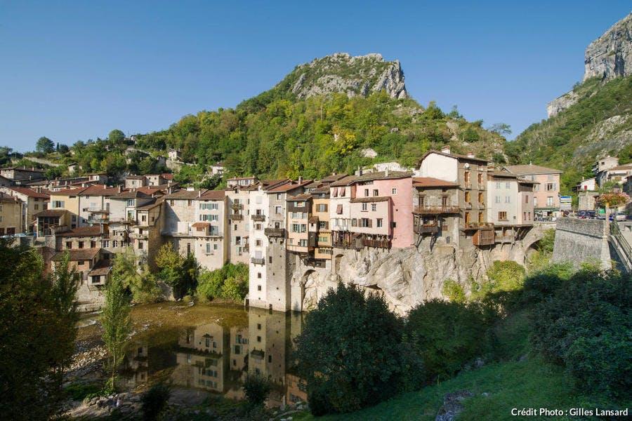 Les maisons suspendues de Pont-en-Royans (Isère)