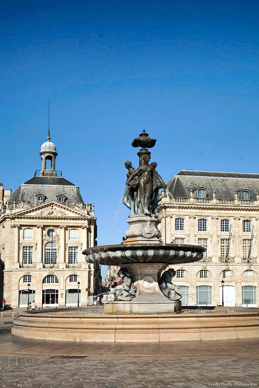 La fontaine des Trois Grâces place de la Bourse à Bordeaux