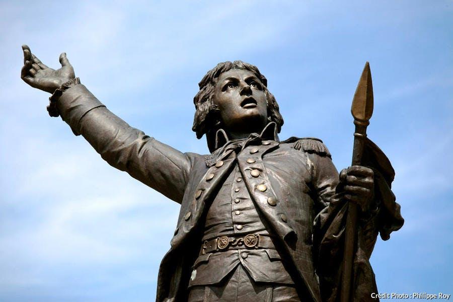 Statue de Rouget de l'Isle, compositeur de la Marseillaise, à Lons-le-Saunier (Jura)