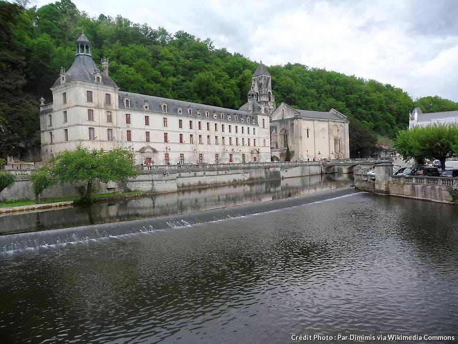brantome-abbaye.jpg