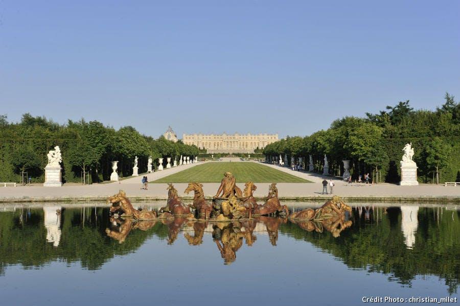 le château de Versailles vu du grand canal