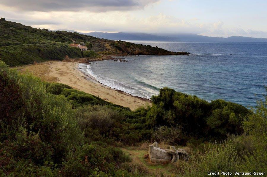 La plage de Capizzolu à Cargèse, en Corse-du-Sud