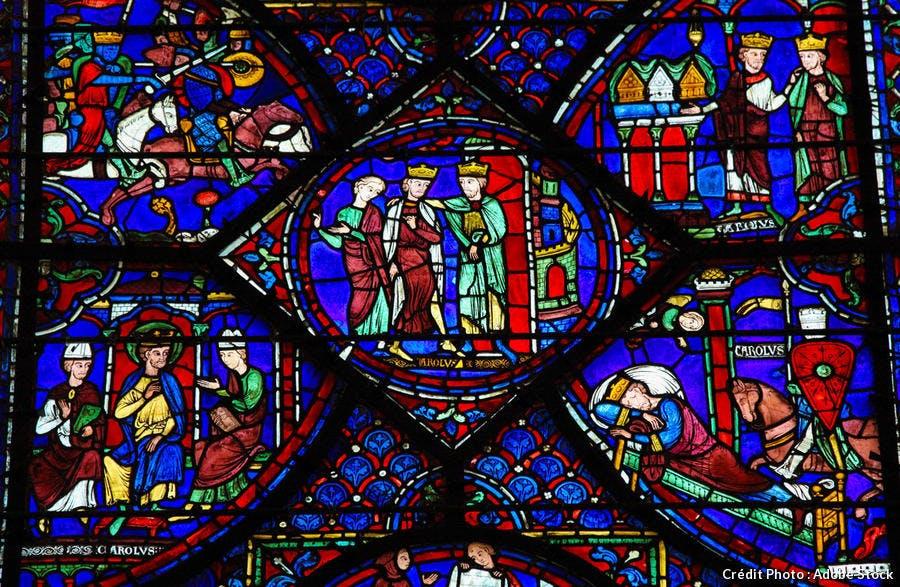 Détail d'un des vitraux de la cathédrale de Chartres