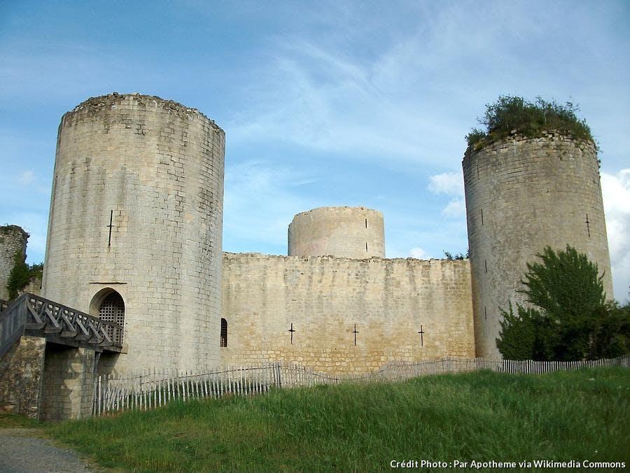 chateau-du-coudray-salbart-echire.jpg