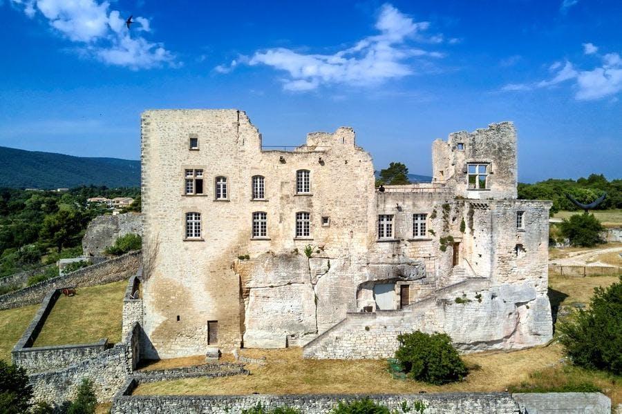 Le château de Lacoste en Provence