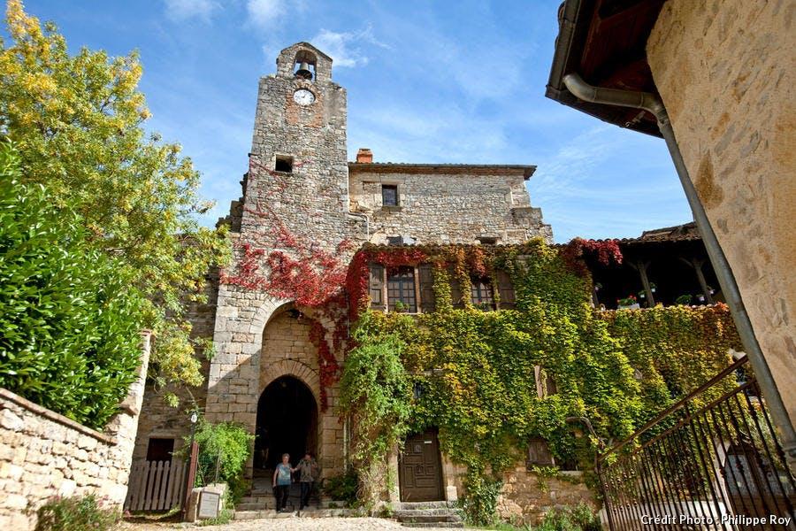 La tour de la porte Méjane à Bruniquel