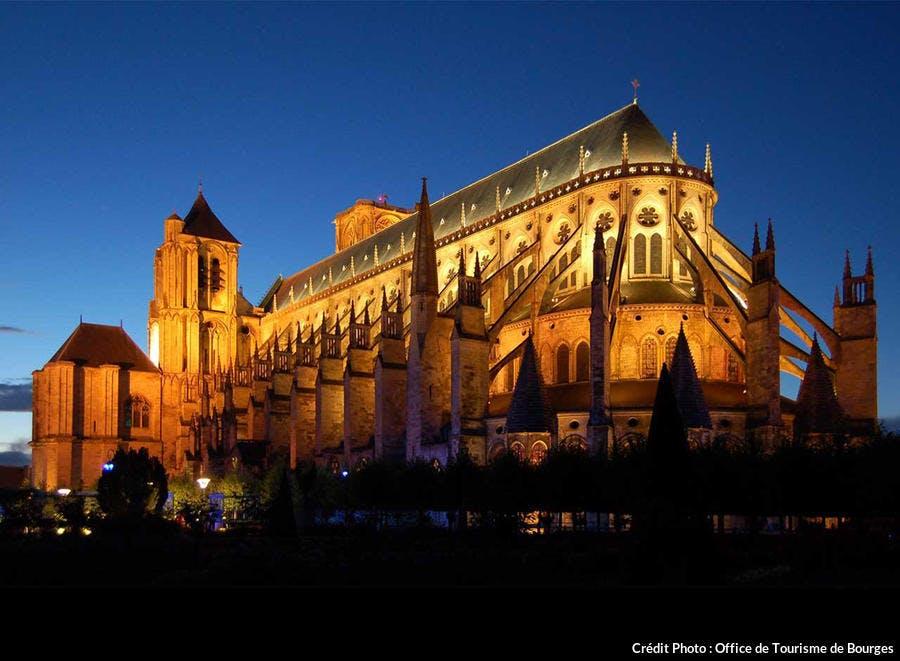 det_cathedrale-bourges-nuit_ot.jpg